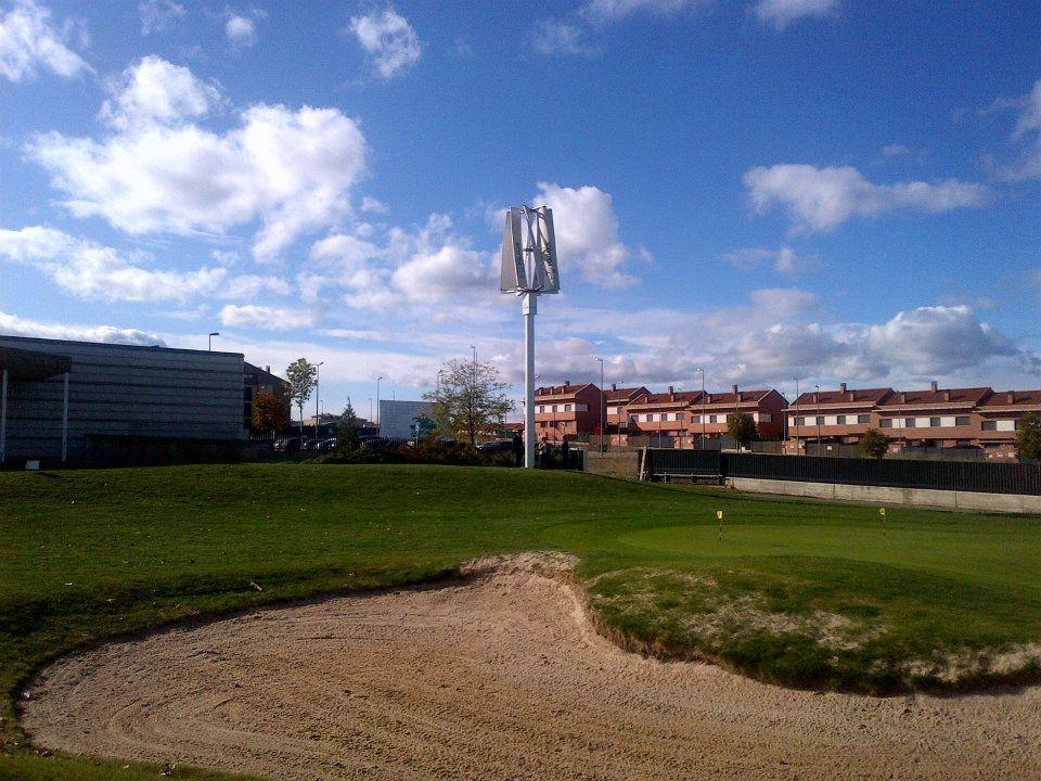 Aerogenerador de eje vertical de Kliux Energies en el Campo de Golf de Cirueña (La Rioja)